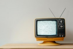 retro-tv-with-static-on-screen